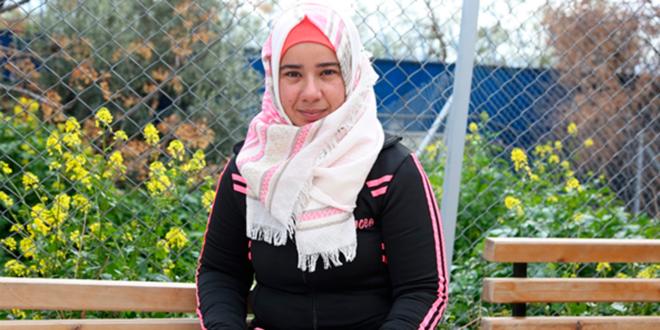 La ayuda en efectivo de UNRWA es fundamental en los hogares liderados por mujeres en Siria