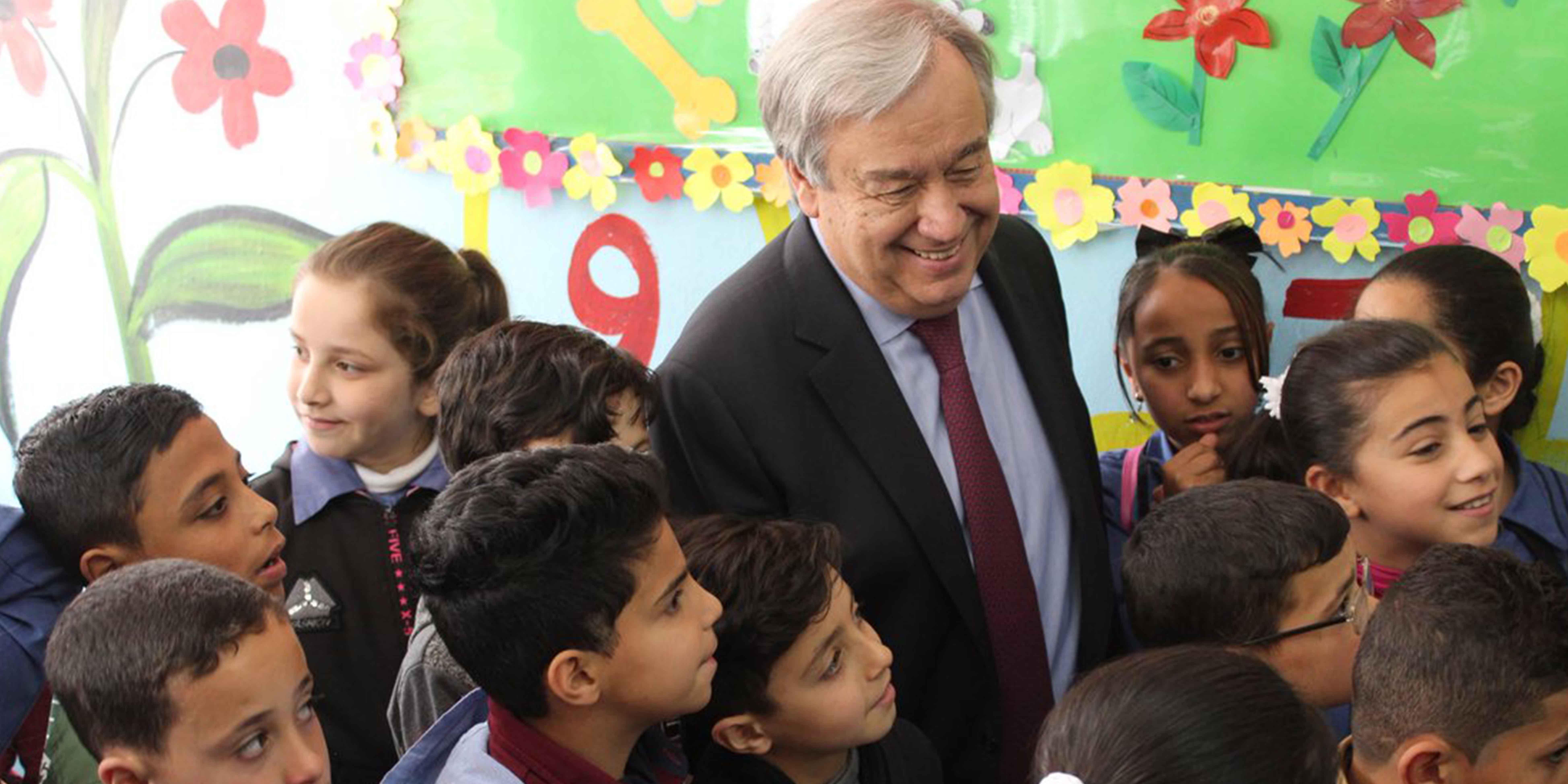 El Secretario General de las Naciones Unidas visita el campamento de Baqa'a en Jordania