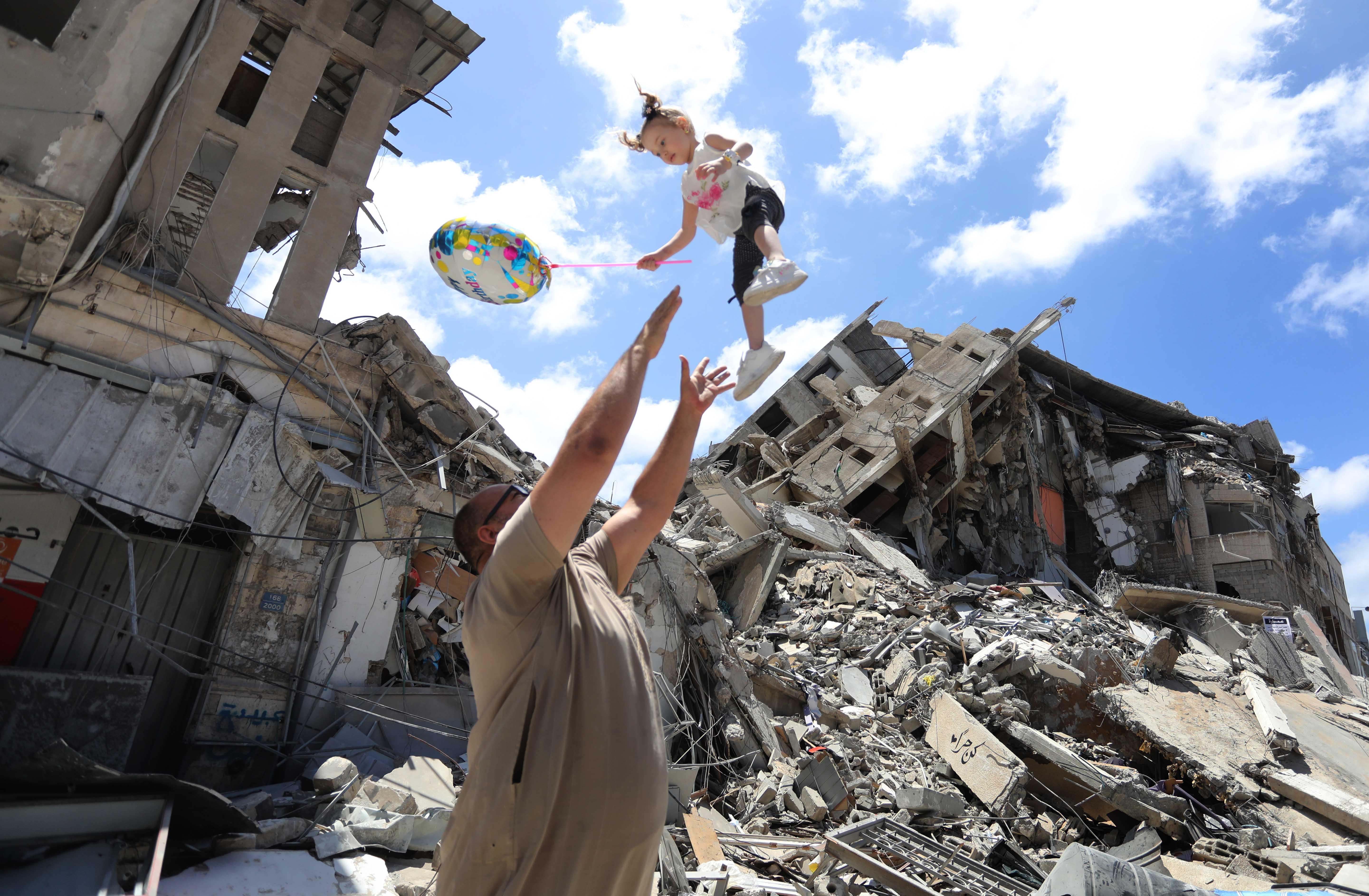 ¿Volver a la vida? Tras la brutal destrucción de las hostilidades en Gaza la población vuelve lentamente a sus hogares
